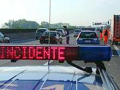 Nel Messinese, 19enne muore in incidente stradale