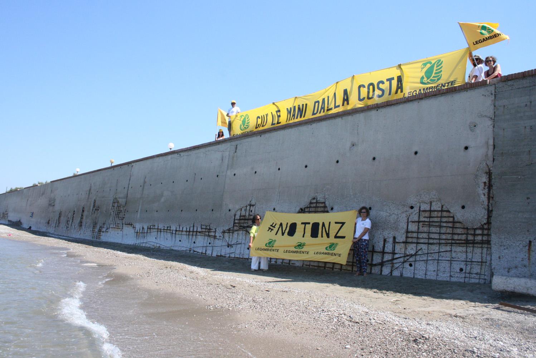 Goletta verde erosione costiera fermare subito il grande for Subito offerte lavoro salerno