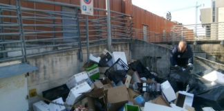 Salerno rifiuti Isola ecologica