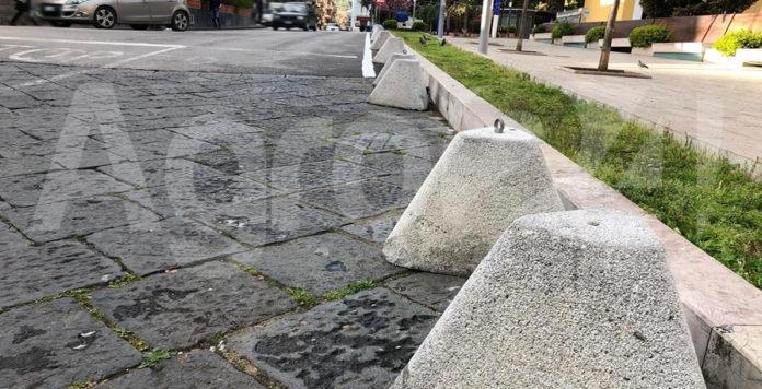 Angri Piazza Doria blocchi cemento