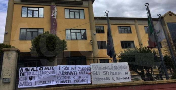 Angri. Protesta APU comune