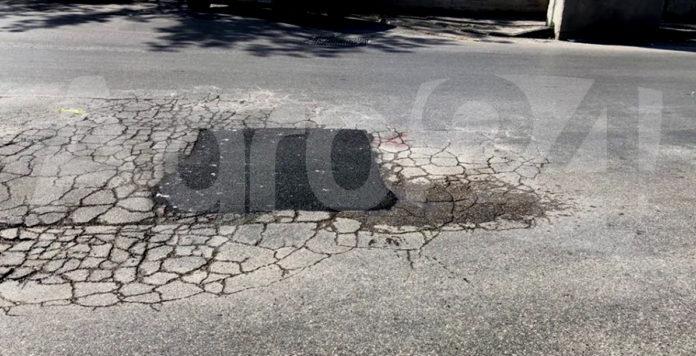Angri. Via Nazionale perdita acqua dopo riparazione