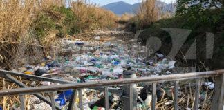 Angri San Marzano Rio Sguazzatorio plastica