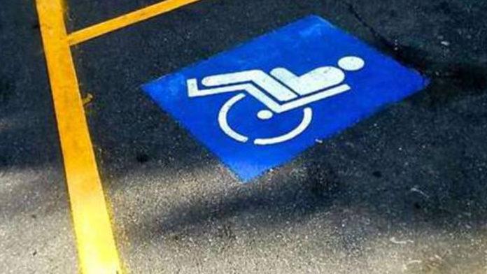 Strisce parcheggi diversamente abili