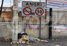 Angri Via Nazionale rifiuti segnaletica