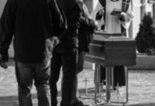 Funerale solitario - Foto dal web