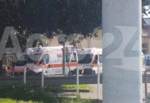 Scafati COVID hospital fila di ambulanze