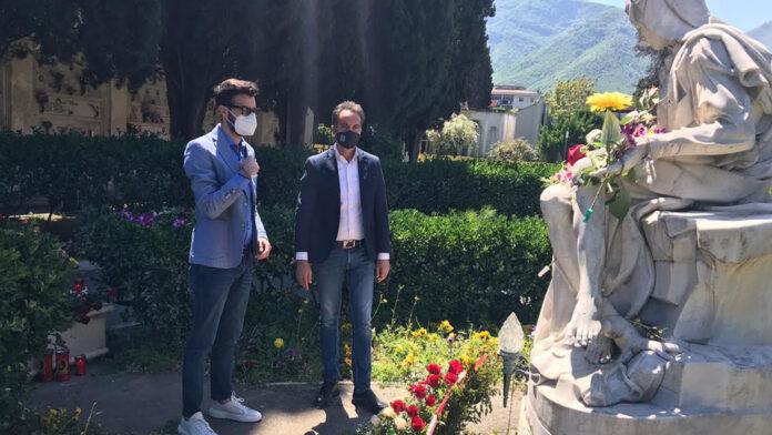 Pagani Fratelli D'Italia omaggio alle mamme defunte